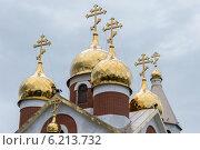 Купить «Купола храма Архистратига Божия Михаила в городе Ноябрьске», фото № 6213732, снято 28 июля 2014 г. (c) Мария Козаченко / Фотобанк Лори