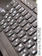 Купить «Компьютерная клавиатура крупным планом», фото № 6216052, снято 21 августа 2013 г. (c) Евгений Ткачёв / Фотобанк Лори