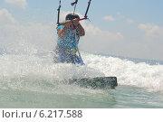 Купить «Кайтбординг на побережье Средиземного моря», фото № 6217588, снято 20 июля 2014 г. (c) Шутов Игорь / Фотобанк Лори