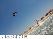 Купить «Кайтбординг на побережье Средиземного моря», фото № 6217816, снято 24 июля 2014 г. (c) Шутов Игорь / Фотобанк Лори