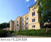 Купить «Гостиница Stekl рядом с замком Hluboka nad Vltavou», фото № 6224924, снято 2 июля 2013 г. (c) Юлия Машкова / Фотобанк Лори
