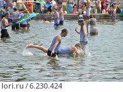 Купить «Празднование Дня ВДВ в Парке Горького, Москва, 2014», эксклюзивное фото № 6230424, снято 2 августа 2014 г. (c) lana1501 / Фотобанк Лори