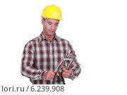 Купить «A handyman.», фото № 6239908, снято 27 апреля 2011 г. (c) Phovoir Images / Фотобанк Лори