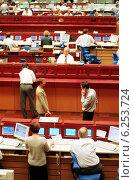 Купить «Floor trading on the Frankfurt Stock Exchange», фото № 6253724, снято 17 мая 2000 г. (c) Caro Photoagency / Фотобанк Лори