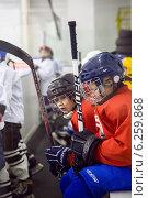 Юные хоккеисты (2013 год). Редакционное фото, фотограф Анастасия Улитко / Фотобанк Лори