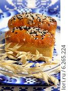 Купить «Мини-хлеб с кунжутом», фото № 6265224, снято 7 августа 2014 г. (c) ElenArt / Фотобанк Лори