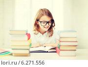 Купить «student girl studying at school», фото № 6271556, снято 31 июля 2013 г. (c) Syda Productions / Фотобанк Лори