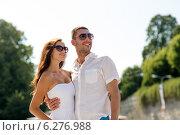 Купить «smiling couple in park», фото № 6276988, снято 23 июля 2014 г. (c) Syda Productions / Фотобанк Лори