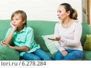 Купить «Mother scolding teenage son», фото № 6278284, снято 9 июля 2014 г. (c) Яков Филимонов / Фотобанк Лори