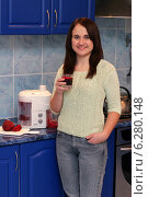Купить «Woman drinking squeezed juice.», фото № 6280148, снято 20 мая 2019 г. (c) BE&W Photo / Фотобанк Лори
