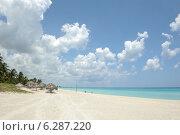 Купить «Пляж, море, облака», фото № 6287220, снято 10 июня 2014 г. (c) Александр Овчинников / Фотобанк Лори
