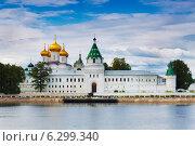 Купить «Ипатьевский монастырь. Кострома», фото № 6299340, снято 25 июля 2014 г. (c) Наталья Волкова / Фотобанк Лори