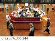 Купить «Floor trading on the Frankfurt Stock Exchange», фото № 6306244, снято 7 мая 2002 г. (c) Caro Photoagency / Фотобанк Лори