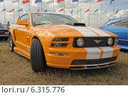 Купить «Ford Mustang, американский культовый автомобиль», фото № 6315776, снято 16 августа 2014 г. (c) Алексей Голованов / Фотобанк Лори