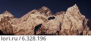 Купить «Эверест, панорамный вид с вершины Нупцзе и Лхоцзе», фото № 6328196, снято 30 октября 2013 г. (c) Арсений Герасименко / Фотобанк Лори