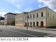 Купить «Пятницкая улица в Москве», эксклюзивное фото № 6330564, снято 23 августа 2014 г. (c) Алексей Гусев / Фотобанк Лори