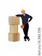 Купить «Carpenter leaning against blocks», фото № 6343156, снято 6 ноября 2011 г. (c) Phovoir Images / Фотобанк Лори
