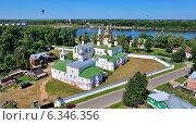 Воскресенский монастырь в Угличе с высоты, фото № 6346356, снято 27 июля 2014 г. (c) Тихомиров Андрей / Фотобанк Лори