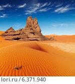 Купить «Sand dunes and rocks, Sahara Desert, Algeria», фото № 6371940, снято 7 декабря 2019 г. (c) Ingram Publishing / Фотобанк Лори