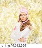 Купить «smiling young woman in winter clothes», фото № 6392556, снято 10 октября 2010 г. (c) Syda Productions / Фотобанк Лори