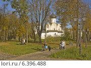 Купить «Церковь Василия на Горке (Псков)», фото № 6396488, снято 13 октября 2013 г. (c) Валентина Троль / Фотобанк Лори