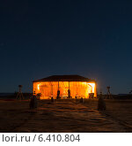 Tents at Erg Chigaga Luxury Desert Camp in Sahara Desert, Souss-Massa-Draa, Morocco (2012 год). Стоковое фото, агентство Ingram Publishing / Фотобанк Лори