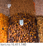 Dried fruits and nuts in a store, Marrakesh, Morocco. Стоковое фото, агентство Ingram Publishing / Фотобанк Лори