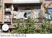 Купить «Захламленный балкон», фото № 6423312, снято 15 сентября 2014 г. (c) Овчинникова Ирина / Фотобанк Лори