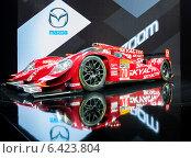 Купить «Mazda SKYACTIV-D Prototype. Московский международный автомобильный салон 2014», эксклюзивное фото № 6423804, снято 29 августа 2014 г. (c) Сергей Лаврентьев / Фотобанк Лори