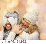 Купить «smiling couple in sweaters and santa helper hats», фото № 6431932, снято 7 октября 2012 г. (c) Syda Productions / Фотобанк Лори