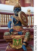 Купить «Fang, Thailand, statue of a warrior on the Buddhist temple Wat Chedi Ngam», фото № 6436924, снято 24 декабря 2009 г. (c) Caro Photoagency / Фотобанк Лори