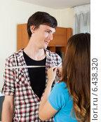 Купить «Girl measuring man with measuring tape», фото № 6438320, снято 12 марта 2014 г. (c) Яков Филимонов / Фотобанк Лори