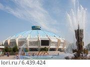 Купить «Ташкентский цирк», фото № 6439424, снято 2 августа 2014 г. (c) Мирсалихов Баходир / Фотобанк Лори