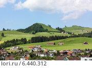 Купить «Аппенцелль, Швейцария», фото № 6440312, снято 19 мая 2009 г. (c) Boris Breytman / Фотобанк Лори