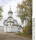 Купить «Церковь в Орлецах (Псков)», фото № 6450656, снято 28 сентября 2014 г. (c) Валентина Троль / Фотобанк Лори