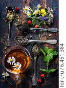 Купить «Черный, зеленый и травяной чай», фото № 6451384, снято 13 июня 2014 г. (c) Наталия Кленова / Фотобанк Лори