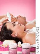 Купить «Couple Undergoing Therapies At Spa», фото № 6461428, снято 27 апреля 2014 г. (c) Андрей Попов / Фотобанк Лори