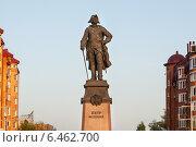 Купить «Астрахань. Памятник Петру Великому», фото № 6462700, снято 1 мая 2013 г. (c) Evgenia Shevardina / Фотобанк Лори