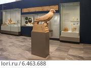 Купить «Зал с экспонатами археологического музея в Ираклионе, Крит, Греция», эксклюзивное фото № 6463688, снято 22 июля 2014 г. (c) Алексей Гусев / Фотобанк Лори