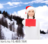 Купить «woman in santa helper hat with blank red card», фото № 6469164, снято 15 августа 2013 г. (c) Syda Productions / Фотобанк Лори