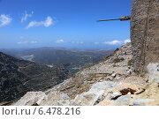 Купить «Разрушенные ветряные мельницы в горах Лассити, Крит, Греция», эксклюзивное фото № 6478216, снято 23 июля 2014 г. (c) Алексей Гусев / Фотобанк Лори