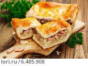 Купить «Пирог из капусты с сардельками», фото № 6485908, снято 3 октября 2014 г. (c) Надежда Мишкова / Фотобанк Лори