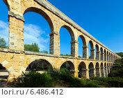 Aqueduct de les Ferreres in summer. Tarragona (2013 год). Стоковое фото, фотограф Яков Филимонов / Фотобанк Лори