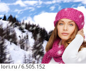 Купить «smiling young woman in winter clothes», фото № 6505152, снято 10 октября 2010 г. (c) Syda Productions / Фотобанк Лори
