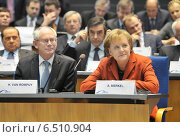 Купить «van Rompuy + Merkel», фото № 6510904, снято 10 декабря 2009 г. (c) Caro Photoagency / Фотобанк Лори