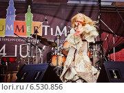 Купить «Выступление Пелагеи на фестивале Summertime-2009 в Санкт-Петербурге», эксклюзивное фото № 6530856, снято 3 июля 2009 г. (c) Ольга Визави / Фотобанк Лори