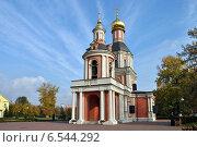 Купить «Церковь Троицы Живоначальной в Свиблове в Москве осенью», эксклюзивное фото № 6544292, снято 11 октября 2014 г. (c) lana1501 / Фотобанк Лори