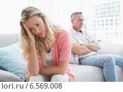 Unhappy couple are stern and having troubles. Стоковое фото, агентство Wavebreak Media / Фотобанк Лори