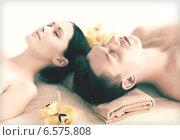 Купить «couple in spa», фото № 6575808, снято 4 мая 2013 г. (c) Syda Productions / Фотобанк Лори