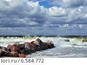 Купить «Штормовое Балтийское море», фото № 6584772, снято 20 июля 2013 г. (c) Сергей Трофименко / Фотобанк Лори